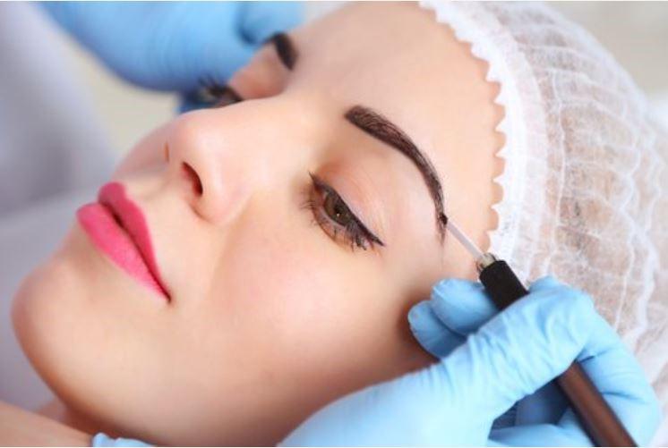 Microblading vs Eyebrow Tattooing